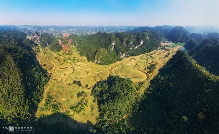 Estepa de Dong Lam: un destino ideal para hacer pícnic - ảnh 1