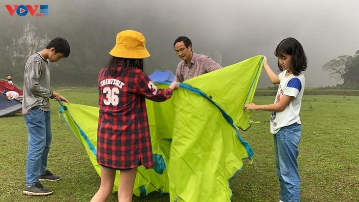 Estepa de Dong Lam: un destino ideal para hacer pícnic - ảnh 6