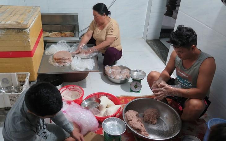 Pasteles de pescado, un plato especial de Ly Son - ảnh 2