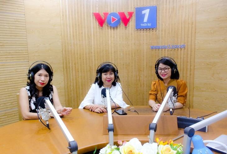 Periodistas de la Voz de Vietnam especializadas en noticias internacionales - ảnh 1