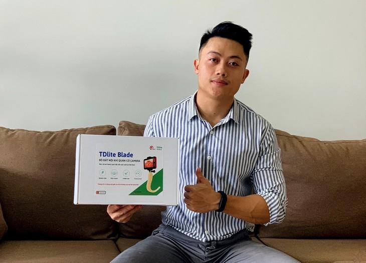 Nguyen Hong Duc, creador del videolaringoscopio para los pacientes del covid-19 - ảnh 1