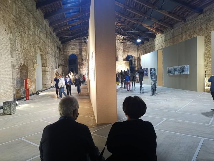 Henry Le, primer vietnamita en protagonizar una exposición de arte en Italia - ảnh 5