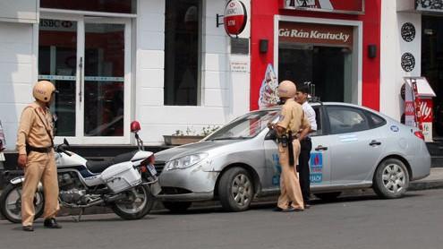 「国家交通安全年」が開始 - ảnh 1