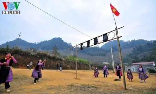 新年を迎えるモン族の人々 - ảnh 9