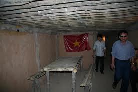 総統官邸の地下壕―ハノイ上空デェンビエンフー作戦の遺跡 - ảnh 2