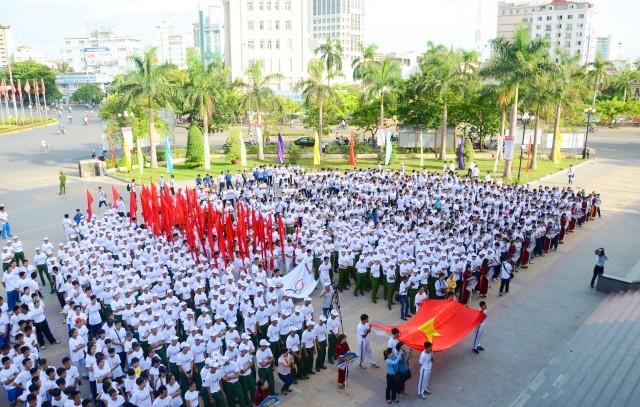 2300人がオリンピックデーでランニング - ảnh 1