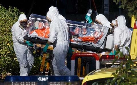 エボラ熱拡大防止、容易ではない任務 - ảnh 1
