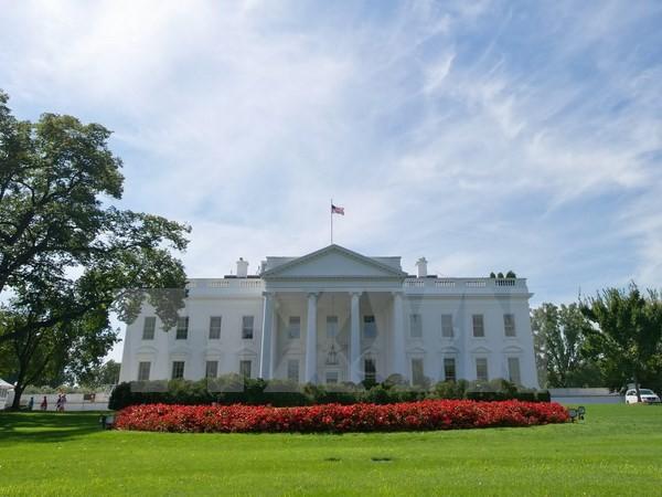 米大統領、予算案に署名 - ảnh 1