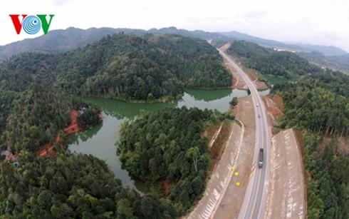 ベトナム最長の高速道路ハノイ・ラオカイフリーウェー - ảnh 5