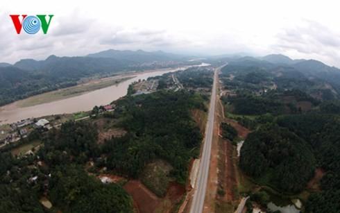 ベトナム最長の高速道路ハノイ・ラオカイフリーウェー - ảnh 4