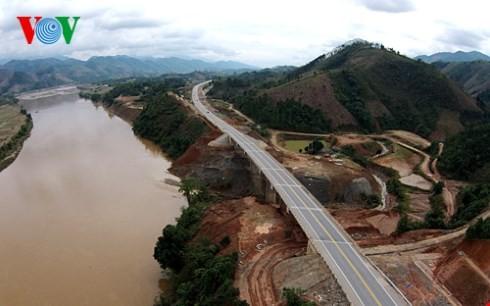 ベトナム最長の高速道路ハノイ・ラオカイフリーウェー - ảnh 3