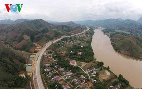 ベトナム最長の高速道路ハノイ・ラオカイフリーウェー - ảnh 6