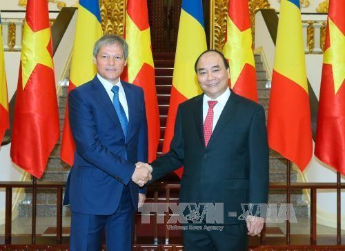 フック首相、ルーマニア首相と会談 - ảnh 1