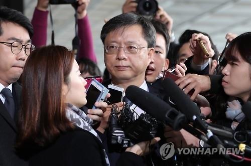 韓国、朴大統領の元側近2人を逮捕 - ảnh 1