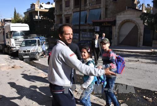 シリア、包囲下の市民100万人近くに 半年で倍増 国連 - ảnh 1