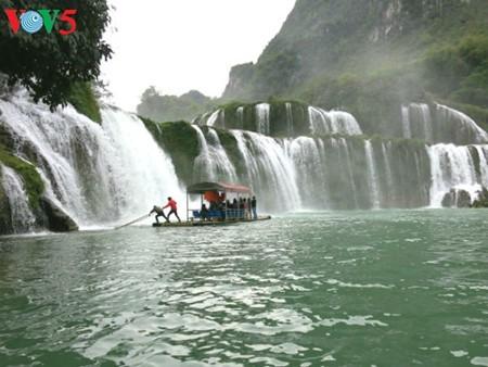東南アジア最大の滝「バンゾク」滝 - ảnh 3
