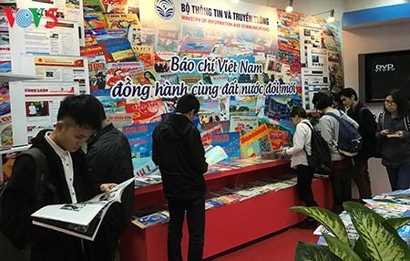「ベトナムジャーナリストの日」記念活動 - ảnh 1