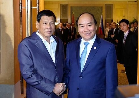フック首相、フィリピンの大統領と会見 - ảnh 1