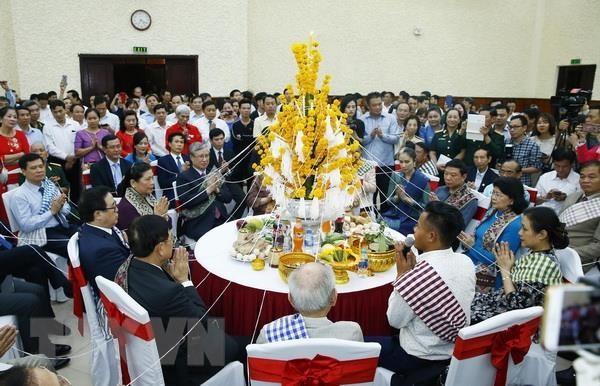 水かけ祭り 在ベトナムラオス大使館が開催 - ảnh 1