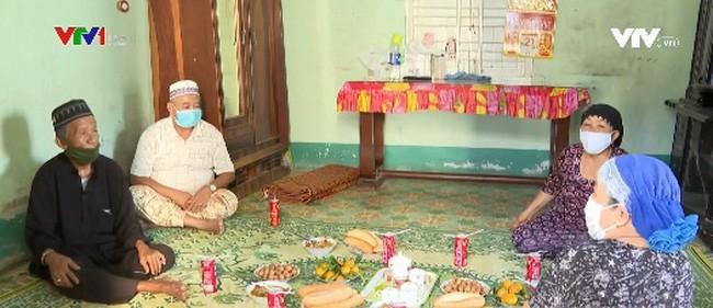 チャム族、伝統正月アムワンを楽しむ - ảnh 1