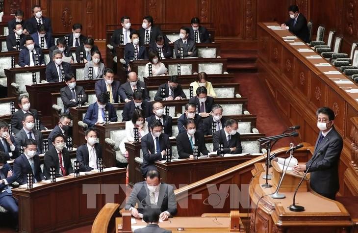 安倍首相「持続化給付金」速やかな給付に努める 衆院予算委 - ảnh 1