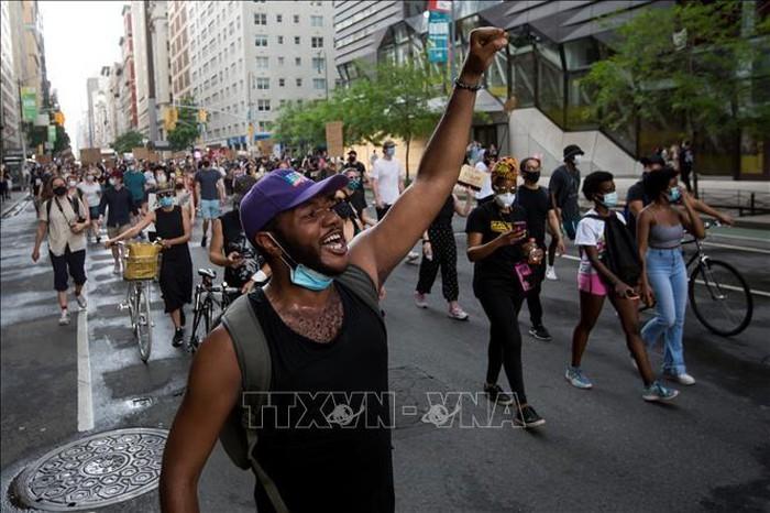 米アトランタで、黒人男性が警官に撃たれ死亡 - ảnh 1