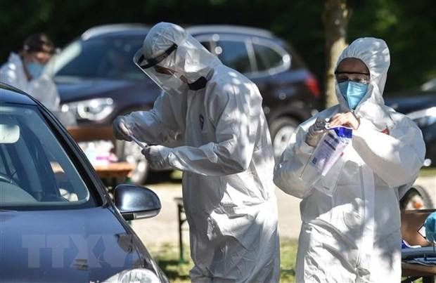英独仏などで国民の半数以上「コロナで検査や隔離、マスクが義務ならバカンス中止するわ」 - ảnh 1