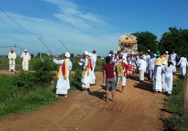 チャム族の冠婚葬祭の簡略化傾向 - ảnh 1