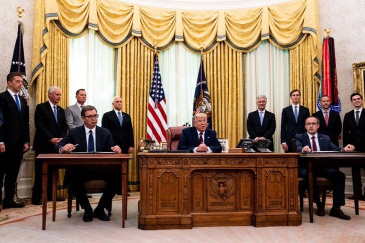 米大統領 セルビアとコソボの経済分野の関係正常化 成果を強調 - ảnh 1