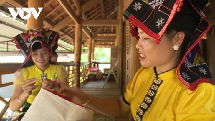 ソンラ省  タイ族の文化保存に取り組む - ảnh 1