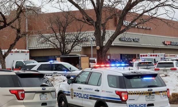 米コロラド州での銃撃事件 10人死亡  - ảnh 1
