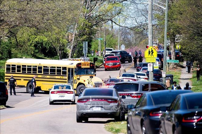 米テネシー州で高校生が銃乱射、容疑者死亡・警官1人重傷 - ảnh 1