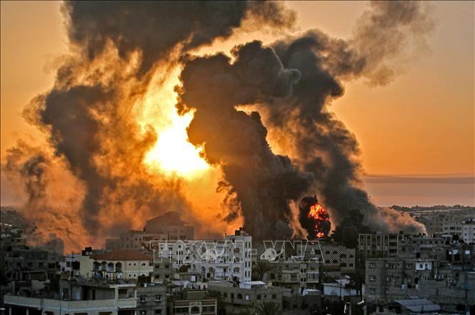 イスラエル軍、地上部隊による攻撃開始 - ảnh 1