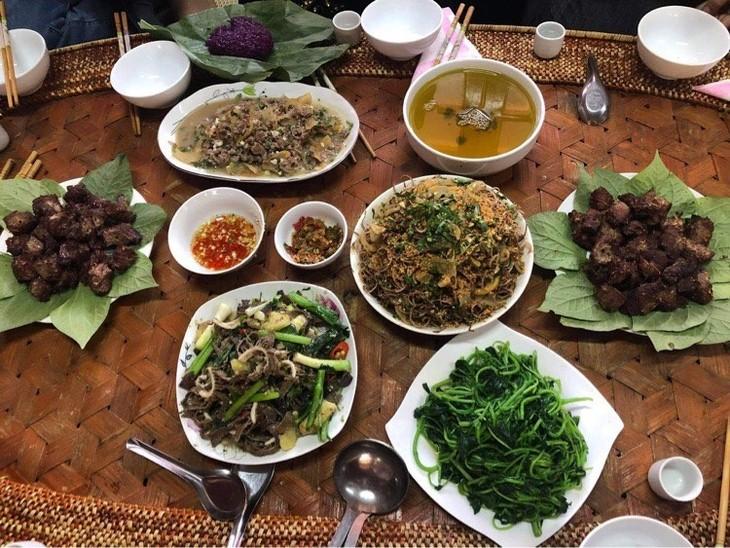 タイ族の水牛から作られる料理 - ảnh 1
