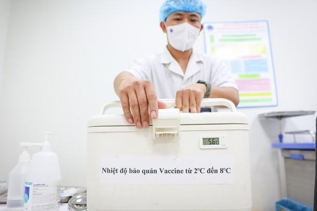 JICA、ベトナムにワクチン保管用冷凍ボックス1600のを供与 - ảnh 1