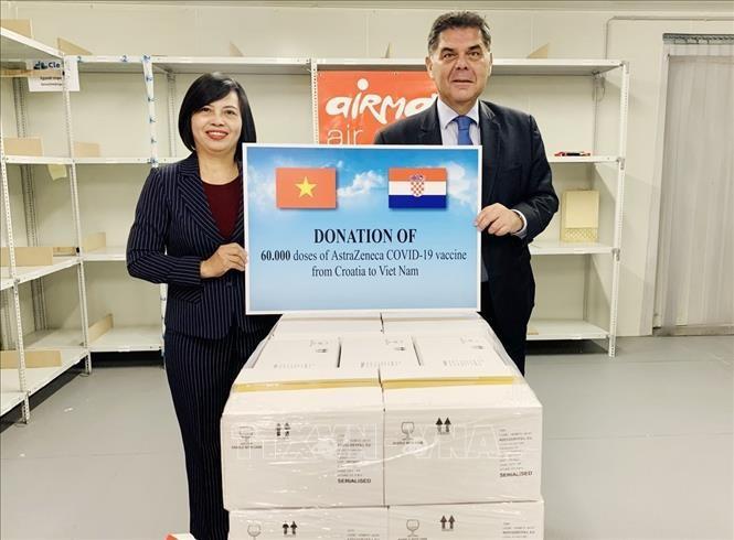 クロアチアとハンガリー、ベトナムに新型コロナワクチンを贈呈 - ảnh 2