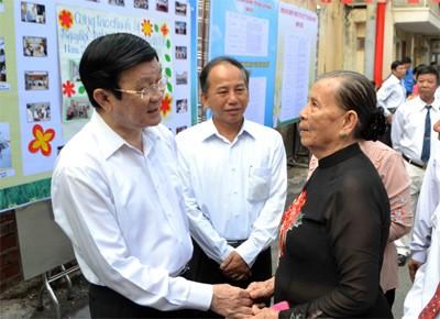 Presiden Vietnam Truong Tan Sang menghadiri  Hari   Persatuan seluruh  bangsa di kota Ho Chi Minh. - ảnh 1