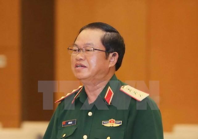 Delegai militer  tingkat tinggi Tentara Rakyat Vietnam melakukan kunjungan resmi di RDR Laos. - ảnh 1