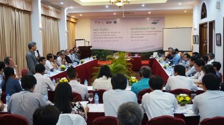 Menanam investasi untuk menjaga daerah pesisir dan mengelola sumber daya air di daerah dataran rendah sungai Mekong - ảnh 1