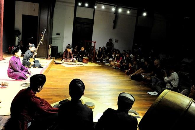 Kisah musik di sektor kota kuno- melestarikan  suara  dari masa lampau - ảnh 2