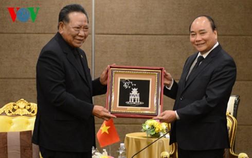 PM Vietnam Nguyen Xuan Phuc menerima Ketua Asosiasi Persahabatan Thailand-Vietnam - ảnh 1