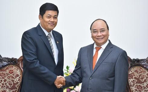 PM Vietnam, Nguyen Xuan Phuc  menerima Dubes Myanmar, Kyaw Soe Win - ảnh 1
