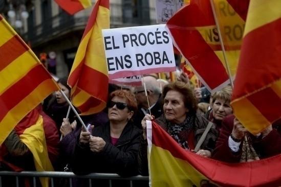 Spanyol: Pemerintahan Katalonia mendorong rencana menyatakan kemerdekaan secara  sepihak    - ảnh 1