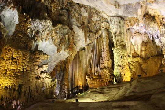 Taman Nasional Phong Nha-Ke Bang- destinasi yang menarik bagi para wisatawan - ảnh 7
