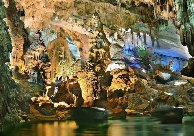 Taman Nasional Phong Nha-Ke Bang- destinasi yang menarik bagi para wisatawan - ảnh 3