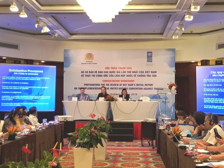 Melakukan konsultasi pendapat untuk menyempurnakan dokumen membela Laporan nasional Viet Nam tentang pelaksanaan Konvensi PBB  tentang anti-penganiayaan - ảnh 1
