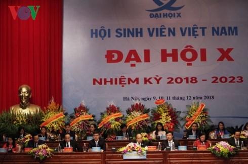 Pembukaan   Kongres Nasional  ke-10 Asosiasi Mahasiswa Viet Nam - ảnh 1