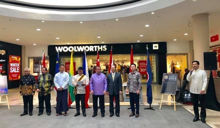 Vietnam memberikan sumbangan positif  pada sukses-nya  ASEAN Festival Day di Afrika Selatan - ảnh 1