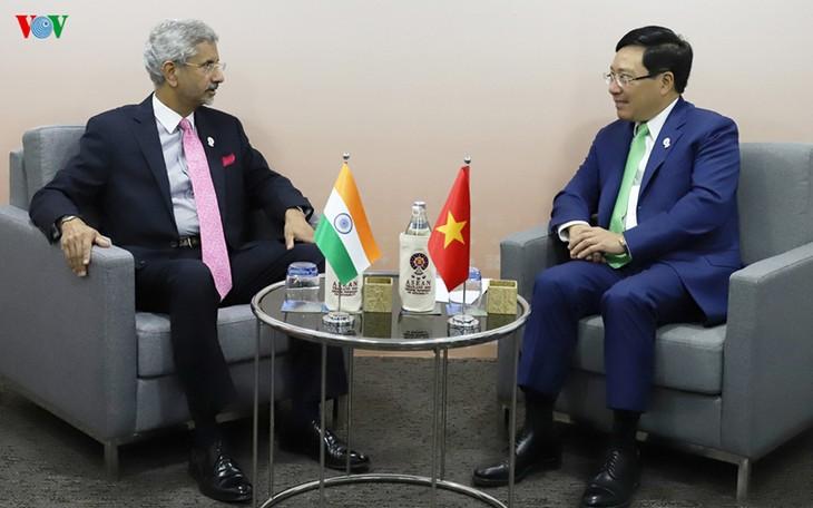 India ingin terus melakukan kerjasama di bidang permigasan dengan Viet Nam di Laut Timur - ảnh 1