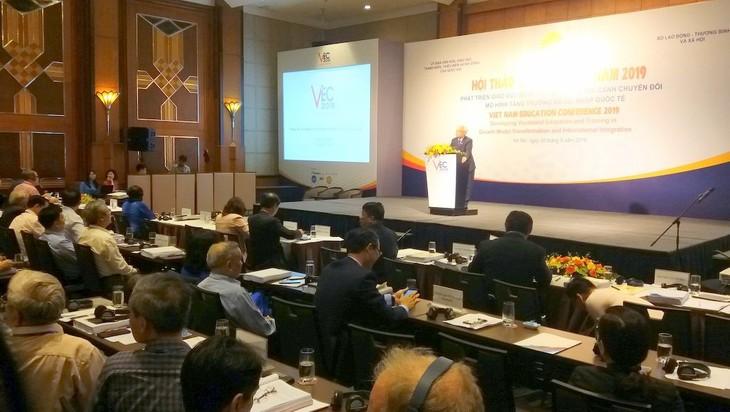 Mengembangkan pendidikan kejuruan pada latar belakang transformasi pola pertumbuhan dan integrasi internasional - ảnh 1